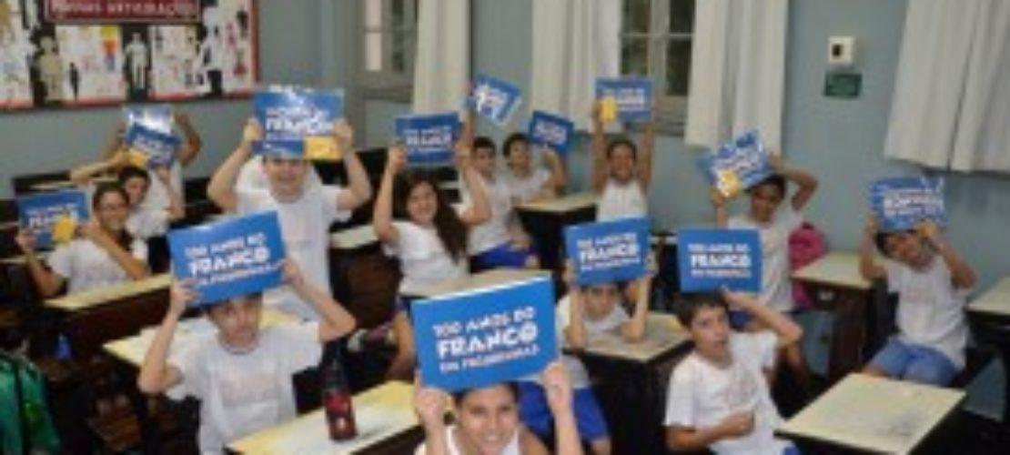 Franco 100 anos: livro (EI) e álbum de figurinhas (EF I)